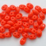 Twins 2.5 x 5mm: Opaque Red 93180 - 10 gram
