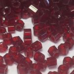 Preciosa Hexagon Bugle Transparent Burgundy Line 2,25 mm 10 gram