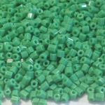 Preciosa Hex Opaque Green 1,7 mm 10 gram