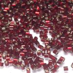 Preciosa Hexagon Bugle Silver Lined Ruby 1,7 mm - 10 gram