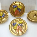 Guzik szklany 27 mm Butterfly Color/Gold- 1 szt